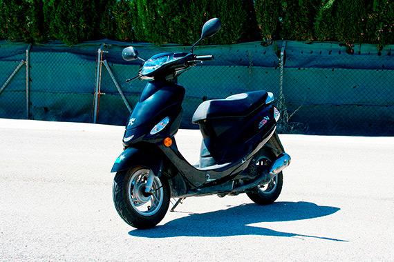ciclomotor-novel-autoescuelas-570